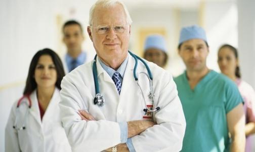 Минтруд хочет повысить стаж для назначения пенсии врачам