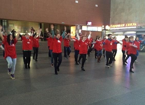 На Московском вокзале в Петербурге пассажирам измеряли давление