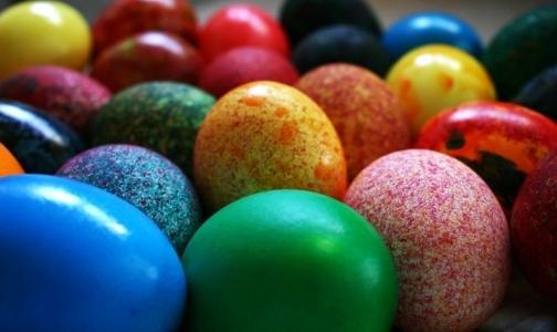 Как покрасить пасхальные яйца без вреда для здоровья
