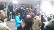 Петербургские водители штурмуют психиатрические и наркологические диспансеры: Фоторепортаж