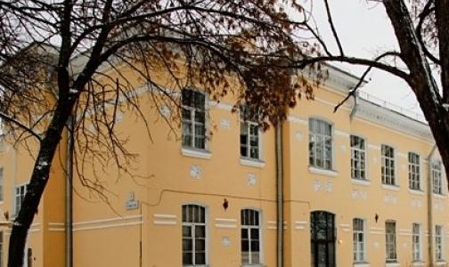 В Кронштадте разгорается скандал из-за закрытия инфекционного отделения городской больницы