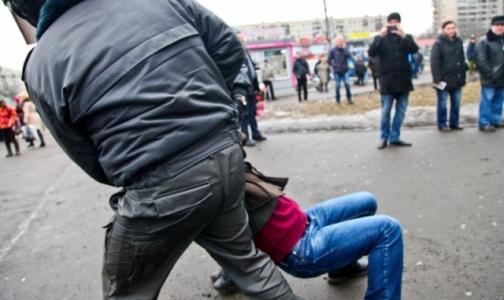 Врачи шокировали полицейских, но были биты