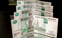 Лучше всего в Петербурге платят врачам роддомов и службы скорой помощи