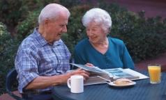Старческое слабоумие: как с ним жить и можно ли его избежать
