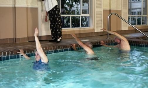 В каких поликлиниках Петербурга можно лечиться в бассейне