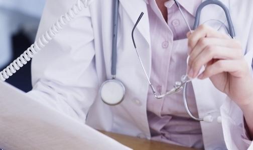 Страховщикам запретят штрафовать больницы за неразборчивый почерк врачей