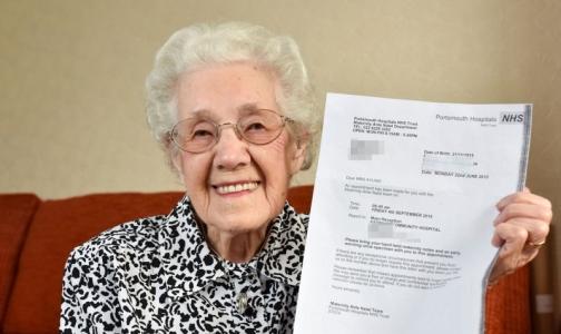 Врачи сообщили 99-летней британке о беременности