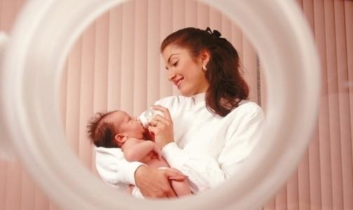 В августе Петербург «недосчитался» 1000 новорожденных