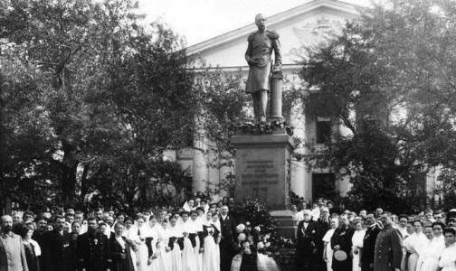 Мариинской больнице не хватает 7 млн рублей на памятник принцу Ольденбургскому