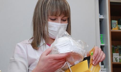 Как журналисты искали в Петербурге маски и лекарства от гриппа