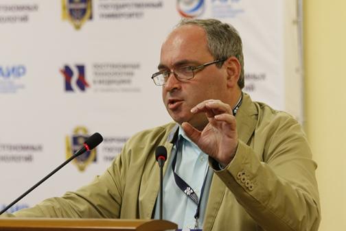 Россия не сможет победить рак с серпом и молотом