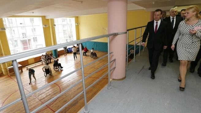 Дмитрий Медведев посетил центр социальной реабилитации инвалидов в Пушкине