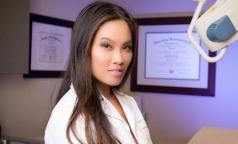 Шокирующие видео сделали дерматолога звездой Youtube