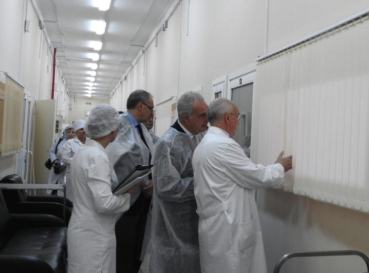 Посланник генсека ООН по ВИЧ проинспектировал Боткинскую инфекционную больницу