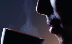 В ВОЗ связали употребление горячих напитков с развитием рака пищевода