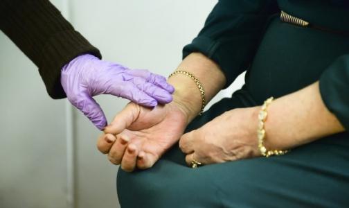 Петербургские поликлиники предупреждают: пенсионеров атакуют мошенники