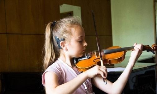 На сцене капеллы Петербурга — дети с нарушениями слуха
