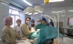 В Мариинской больнице выполнили редкую операцию пациенту с инсультом