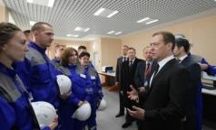 Дмитрий Медведев отказался понижать температуру горячей воды в жилых домах