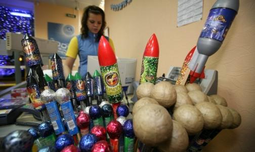 Аккуратным с пиротехникой петербуржцам напомнили правила запуска петард
