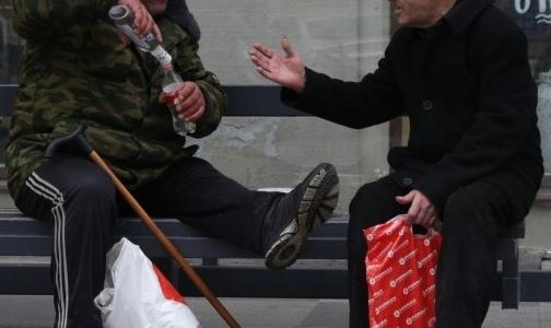 В Петербурге за год 20 отравлений метиловым спиртом, спасают не всех