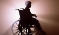 Петербургским детям-инвалидам доставили задержанные на таможне коляски