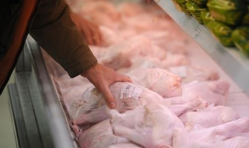 Роскачество обнаружило в курином мясе сальмонеллу и листерии