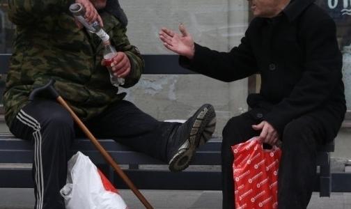 На каникулах в НИИ скорой помощи спасали петербуржцев с отравлением метанолом