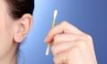Отоларинголологи советуют реже мыть уши