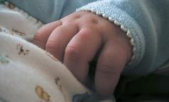 Недоношенным детям увеличат количество прививок