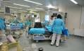 В НИИ скорой помощи спасают жертву метанола