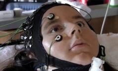 Ученые научились читать мысли полностью парализованных людей