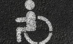 Счетная палата: Российские кресла-коляски стоят дороже импортных аналогов
