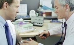 Водителям с медсправкой досрочно выдадут новые права на 10 лет