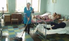 Клиники Петербурга остались без санитарок