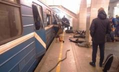В больницы Петербурга начали доставлять пострадавших при взрыве на синей ветке метрополитена