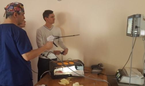 В Петербурге детские хирурги Северо-Запада учатся оперировать без вскрытия грудной клетки