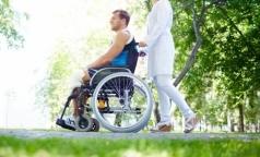 За взятки и выдачу фиктивных справок об инвалидности петербурженке дали условный срок
