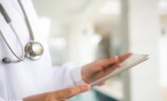 Росстат: За полгода средняя зарплата петербургских врачей почти достигла 80 тысяч рублей