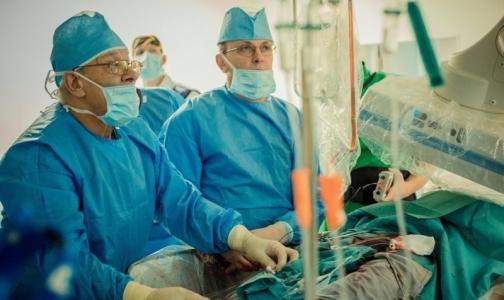 В петербургской больнице пациентов с протезами сердечных клапанов лечат по-новому