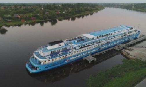 У пассажиров теплохода «Лунная соната» подозревают инфицирование норовирусом. Судно возвращается в Петербург