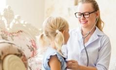 Страховщики рассказали, какие права чаще всего нарушаются при детской диспансеризации
