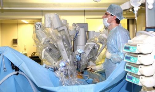 Петербургские хирурги впервые в России выполнили гинекологическую операцию подростку на роботе da Vinci