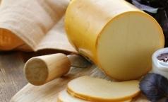 «Наколбасили»: Эксперты отправили в «черный список» 4 из 5 брендов колбасного сыра