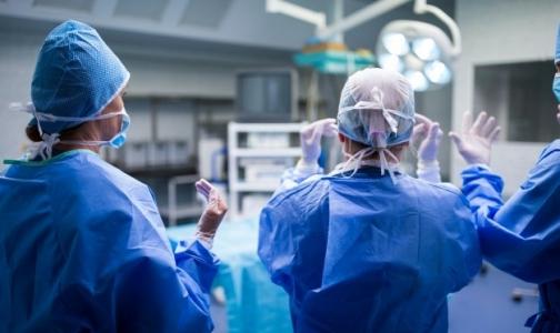 В Петербурге впервые выполнили гибридную операцию при остром инсульте