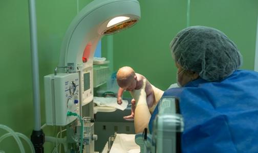 Операция в СПбГПМУ позволила роженице со злокачественной опухолью в третий раз стать мамой