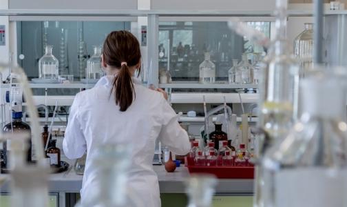 Эксперты рассказывают, почему петербуржцы не попадают в клинические исследования новых препаратов