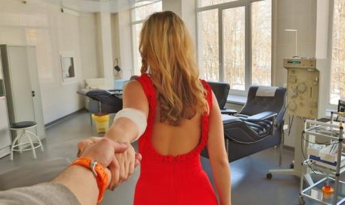 Петербургских влюбленных просят поделиться чувствами с пациентами больниц