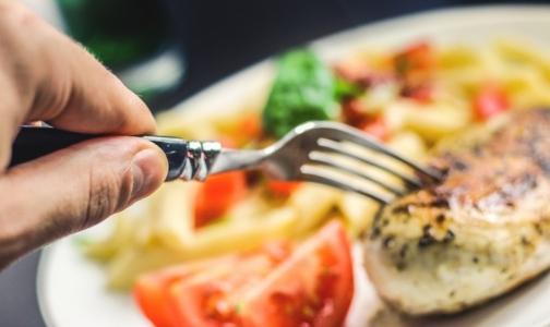 Пообедали: 17 посетителей кафе в ТРК «Сенная» попали в больницу с сальмонеллезом