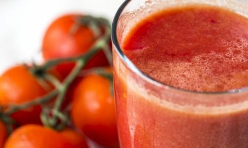 Эксперты выяснили, в какой томатный сок добавляют крахмал и больше соли
